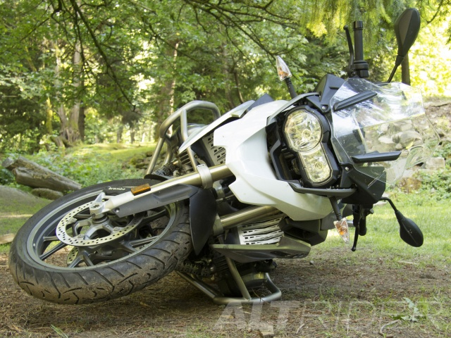 AltRider Crash Bar and Skid Plate System for the BMW R 1200 GS Water Cooled - Installed