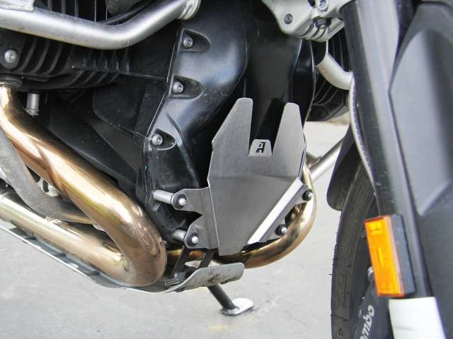 AltRider Front Engine Guard for BMW R 1200 R Water Cooled - Installed