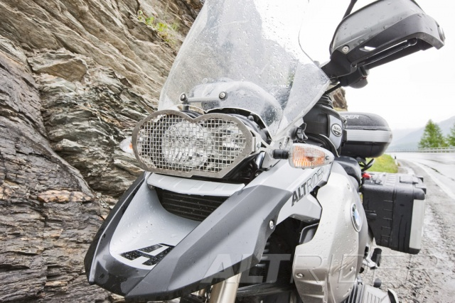 AltRider Headlight Guard Kit with Clear and Stainless Faces for BMW R 1200 GS (2003-2012) - Installed