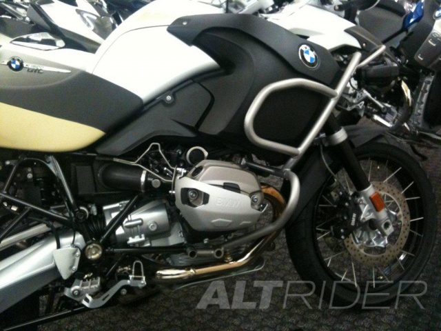 AltRider Injector Protector Kit for the BMW R 1200 GSA - Installed