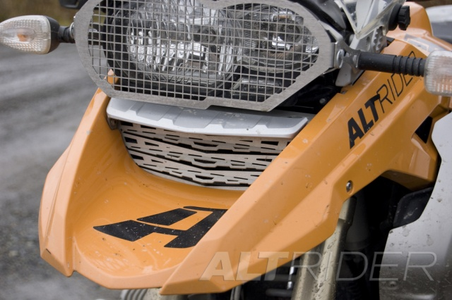 AltRider Oil Cooler Guard for the BMW R 1200 GS (2003-2012) - Installed