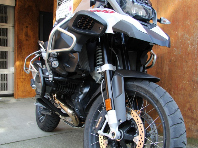AltRider Crash Bars for the BMW R 1200 GS Adventure Water Cooled - Black - Installed
