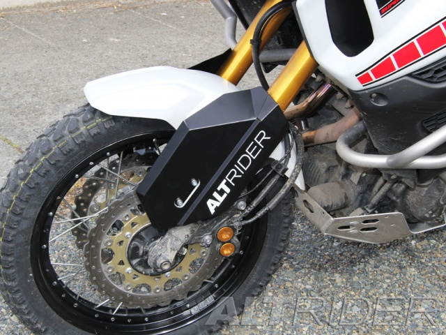AltRider Fork Leg Guards for the Yamaha Super Tenere XT1200Z - Installed