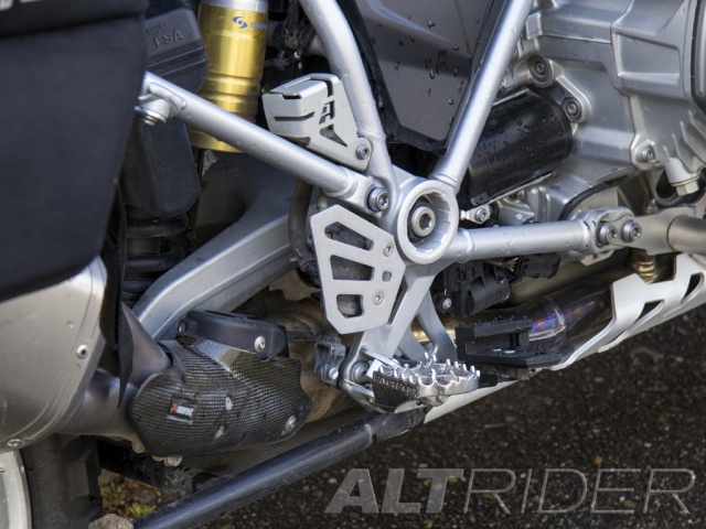 AltRider Protezione Pompa Freno Posteriore per BMW R 1200 GS Water Cooled - Installed