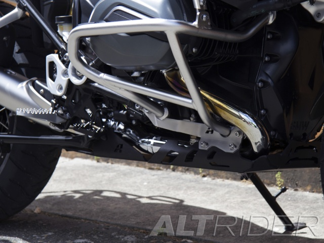 AltRider Skid Plate for the BMW R 1200 GS Adventure Water Cooled - Black - Installed