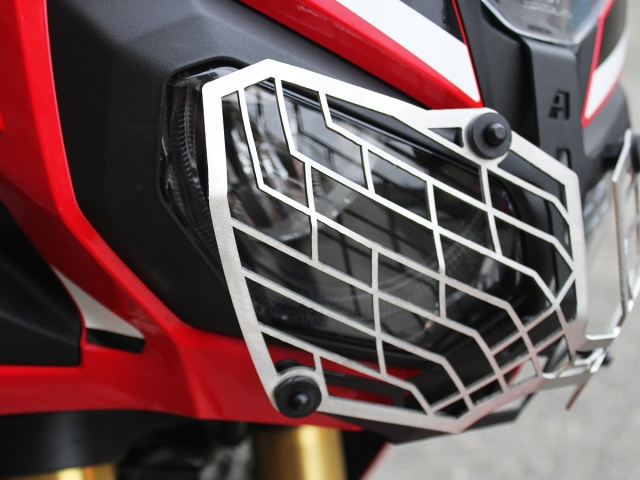 AltRider Stainless Steel Mesh Headlight Guard for the Honda CRF1000L Africa Twin/ ADV Sports - Silver - Installed