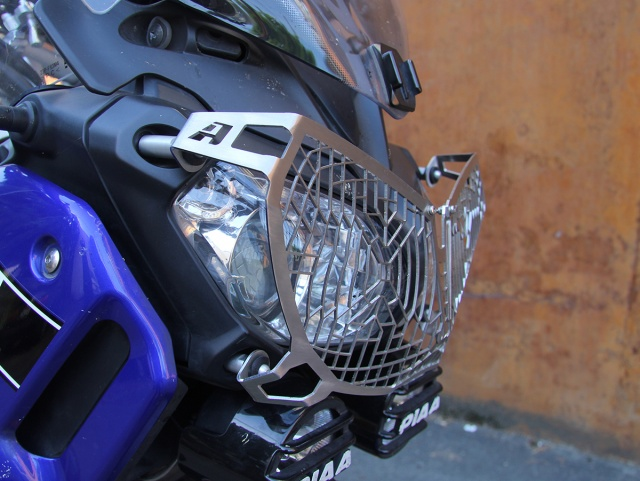AltRider Stainless Steel Mesh Headlight Guard for the Yamaha Super Tenere XT1200Z - Installed