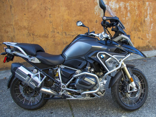 AltRider Upper Crash Bars for the BMW R 1250 GS - Installed
